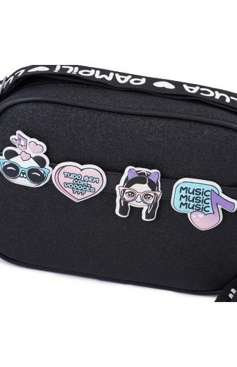 bolsa tiracolo da luluca com glitter e patches pampili detalhes